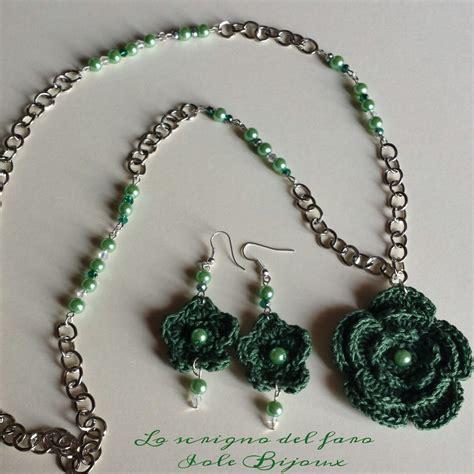 collane con fiori all uncinetto collana con fiori all uncinetto e orecchini abbinati in