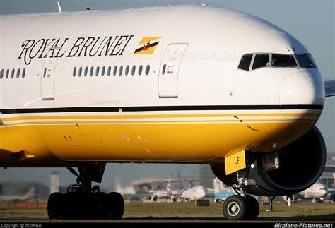 Sponsorship Letter Brunei V8 Blf Royal Brunei Airlines Boeing 777 200er At Heathrow Photo Id 117624