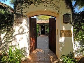 Spanish Style Homes With Interior Courtyards by Beautiful Spanish Hacienda In Santa Barbara Idesignarch