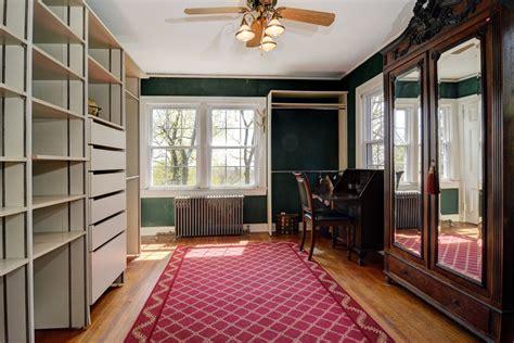 Yogi Closet by Yogi Berra S New Jersey Home For Sale