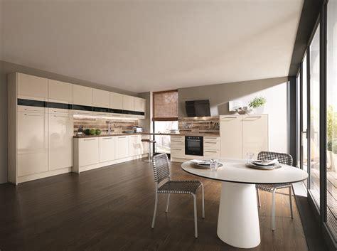 Preiswerte Küchen Mit Elektrogeräten by Badezimmer Feng Shui