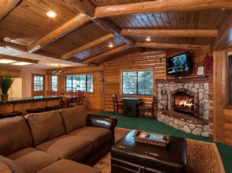 log cabin d 233 cor in timeless style the latest home decor how to decorate log cabin walls decoratingspecial com