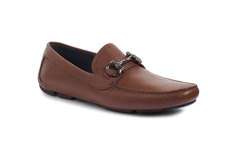 Dress Shoes Cities by The Most Comfortable S Walking Shoes For Travel Travel Leisure