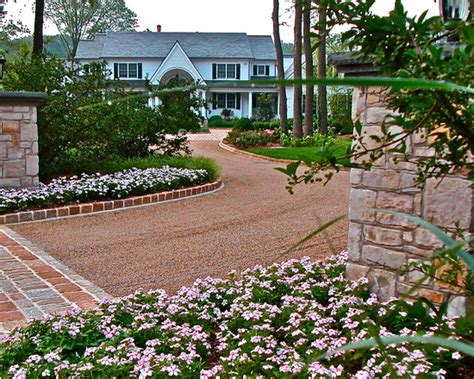 Pea Rock Driveway Pea Gravel Driveway Design Ideas Pictures Remodel And Decor