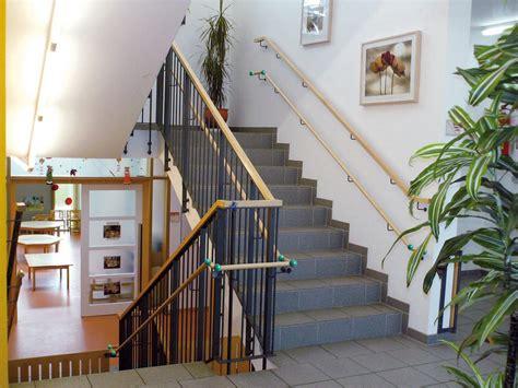 Treppe Handlauf Aussenbereich by Ab F 252 Nf Stufen Sind Handl 228 Ufe Gesetzlich Vorgeschrieben