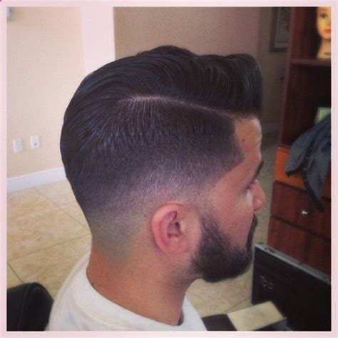 mens hir cut using andis nice low taper faded into beard and scissor the crown and