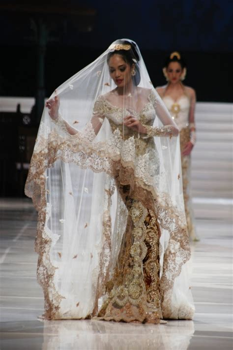 Wedding Dress Designer Indonesia by She S In Fashion All About Kebaya Indonesia National Dress