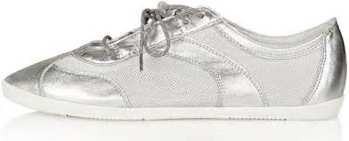 www silver sneakers silver sneakers 8 shiny and stylish silver shoes