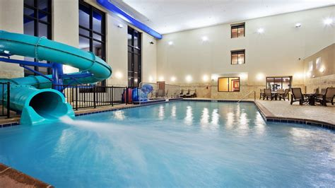 hotel room with pool inside inn express suites great falls updated 2017 hotel reviews price comparison mt