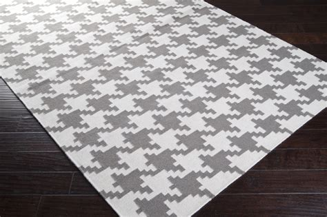 houndstooth rugs white and gray houndstooth frontier rug by surya rosenberryrooms