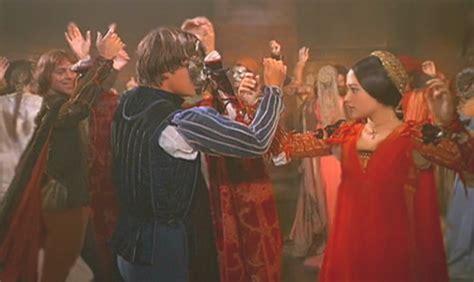 Romeo and Juliet (1968) vs. Romeo   Juliet (1996)   The