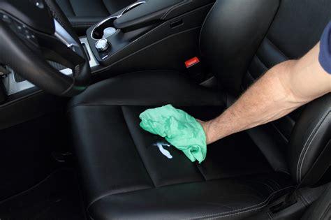 comment nettoyer siege cuir voiture nettoyer les sieges en cuir d une voiture