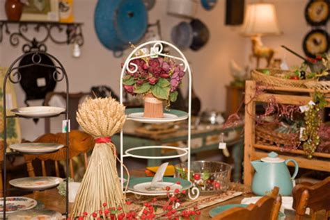 Thrift Home Decor | thrift shop decorating