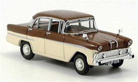Diecast Victor vauxhall victor braun creme vanguards diecast model car 1