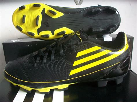 Harga Adidas F5 301 moved permanently