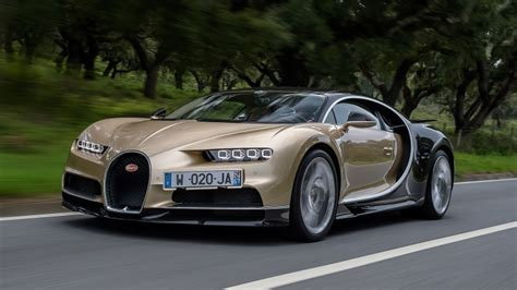 fast bugatti fast doesn t begin to describe it 2017 bugatti chiron