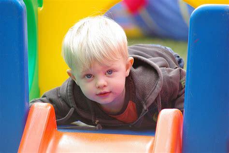 imagenes de niños gueros ni 241 os a los que se les aclara el cabello pequelia