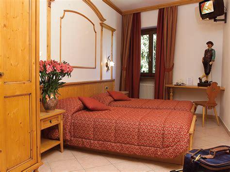 doppia con letti singoli albergo tarvisio hotel valle verde