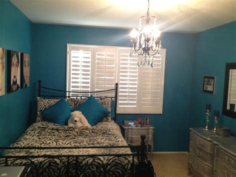 teal walls bedroom teal wall paint chandelier silver diy furniture make a
