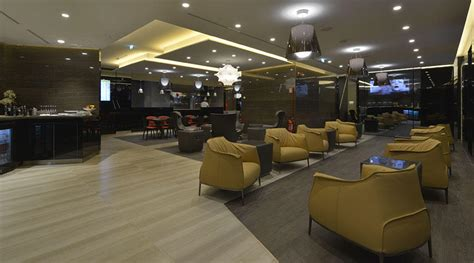 poltrone frau roma poltrona frau for the new casa alitalia flagship lounges