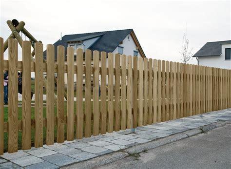 barriere de jardin en bois cl 244 tures basses cl 244 tures pour les jardins d entr 233 e cl 244 tures bomb 233 es portails palis