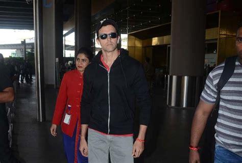 hrithik roshan business hrithik roshans airport outfit looks like he forgot he had