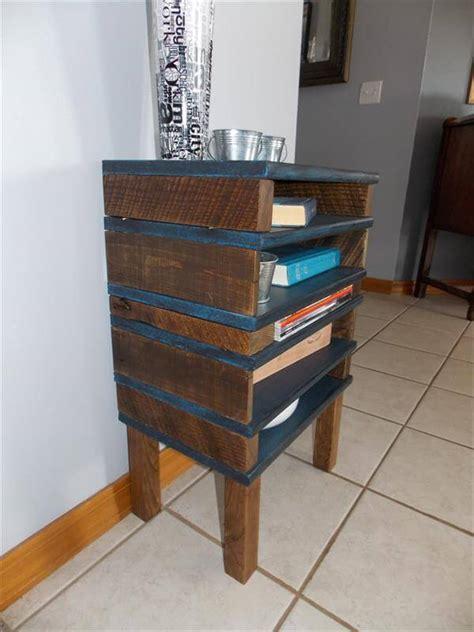 diy pallet  table   shelves  pallets
