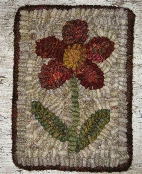 primitive rug hooking primitive flower rug hooking wool work