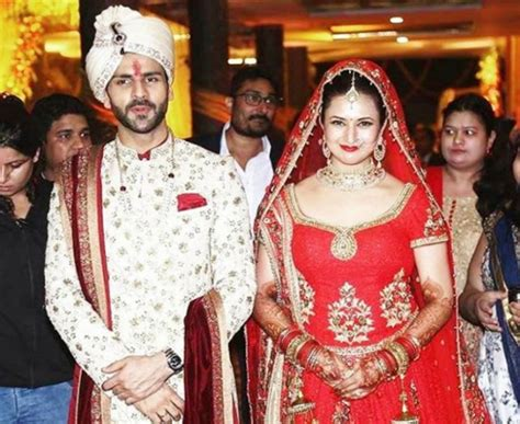 vivek dahiya favourite colour divyanka tripathi and vivek dahiya s wedding pictures are