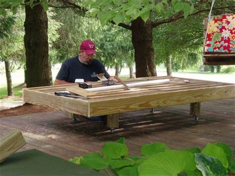 Make A Pallet by Diy Daybed Made From Pallets Wooden Pallet Furniture
