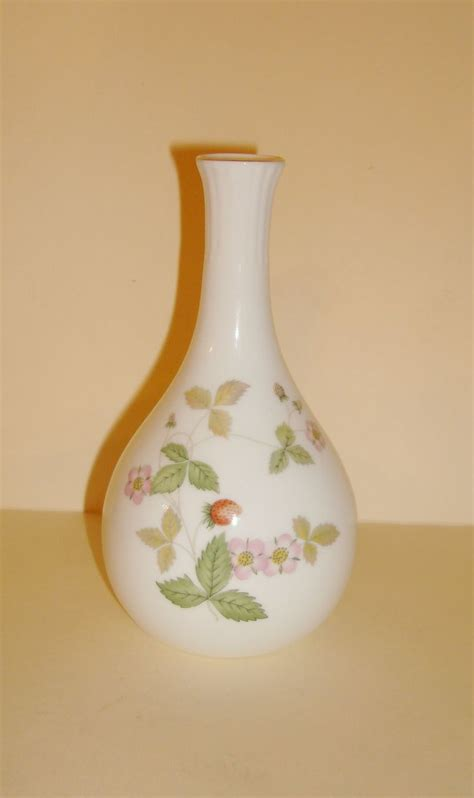 wedgwood bone china strawberry vase from