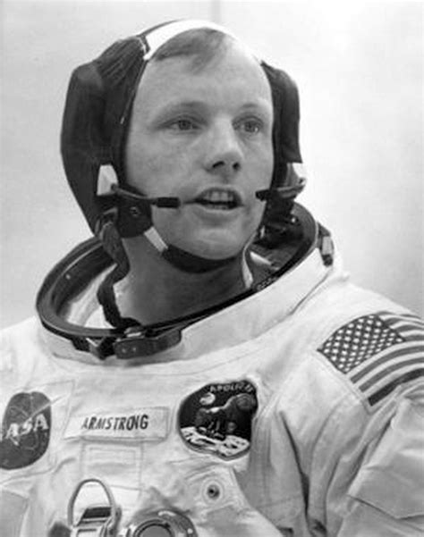 biography neil armstrong astronaut apollo 11 neil armstrong first step pics about space