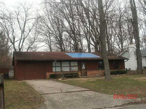 Pantry Muncie Indiana by 315 N Shellbark Rd Muncie Indiana 47304 Reo Home
