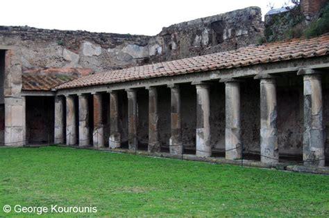 roman bath houses mount vesuvius and pompeii