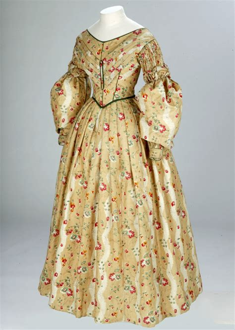 victorian dress   va victoria  albert museum