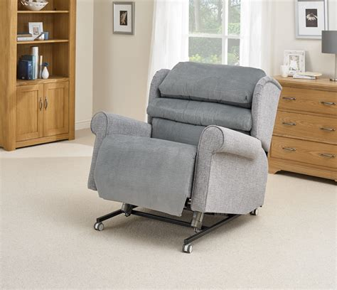 bariatric riser recliner chairs the bariatric riser recliner chair