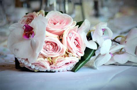 bouquet fiori di carta bouquet da sposa fiori di carta villa nel verde