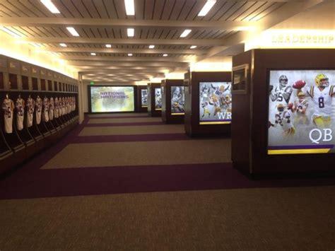 nicest locker rooms best college football locker rooms 2014