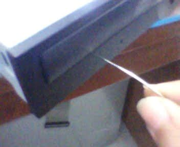 Klip Penahan Retaining Clip 2 cara memperbaiki dan memperkuat optical drive yang rusak