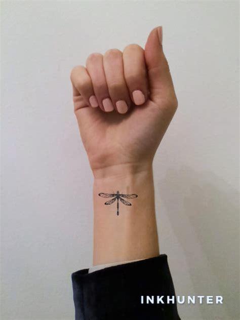 app tattoo auf körper inkhunter tattoos ausprobieren mit dieser app woman at