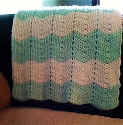 easy zig zag afghan pattern zig zag cozy afghan allfreecrochet com