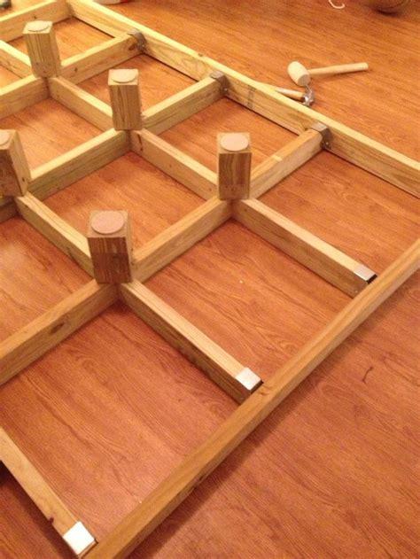 wie baue ich ein size plattformbett 110 besten diy betten bilder auf spielzimmer