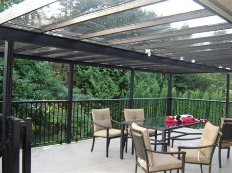 terrassendach plexiglas geeignete materialien f 252 r die terrassen 252 berdachung ideen