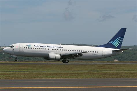 garuda indonesia file garuda indonesia boeing 737 400 stegmeier jpg wikimedia commons