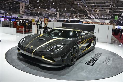 koenigsegg gold koenigsegg hundra debuts decorated with 24k gold