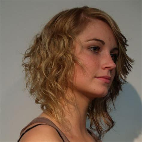 frisuren fuer naturkrauses haar