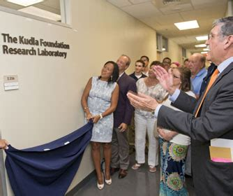 Utsa Mba Management Of Technology by College Of Business Dedicates Laboratory In Honor Of