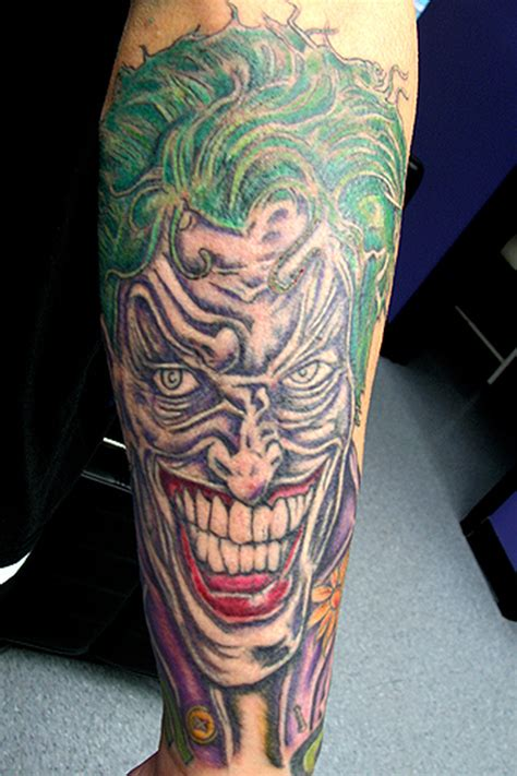joker tattoo on leg green hair joker tattoo on leg tattoos book 65 000