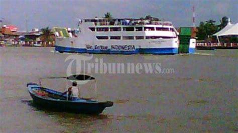 ferry dari banyuwangi ke bali gelombang tinggi penyeberangan banyuwangi bali buka tutup