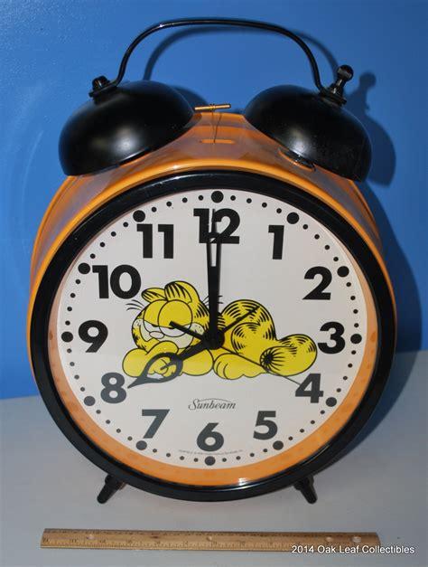 1978 sunbeam sized large sleeping garfield moon alarm clock ebay